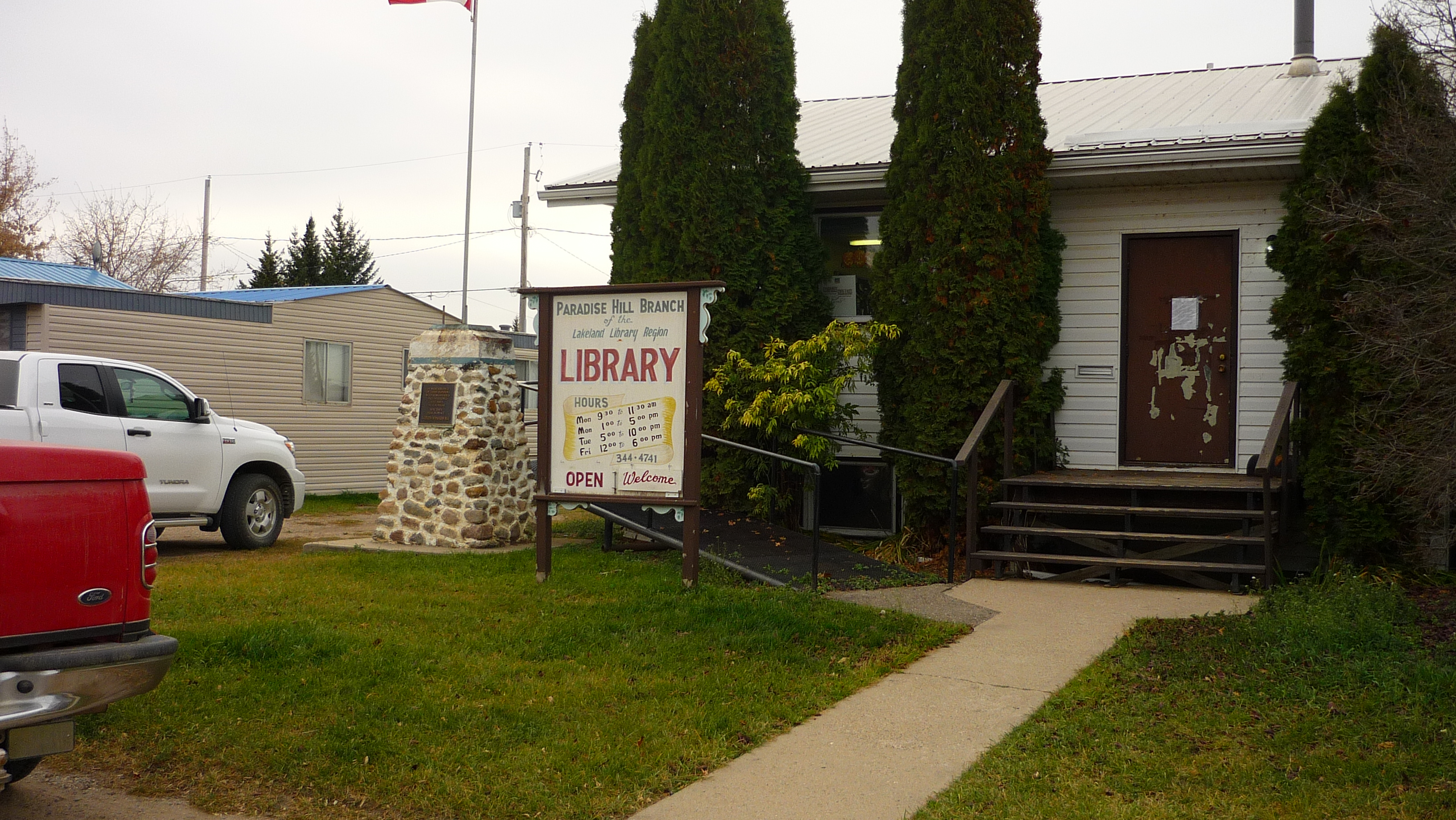 Paradise Hill Branch Library